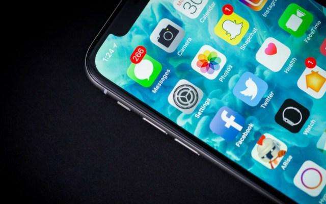 Temen falta de inventario suficiente para cubrir demanda de iPhone XC - Foto de Internet