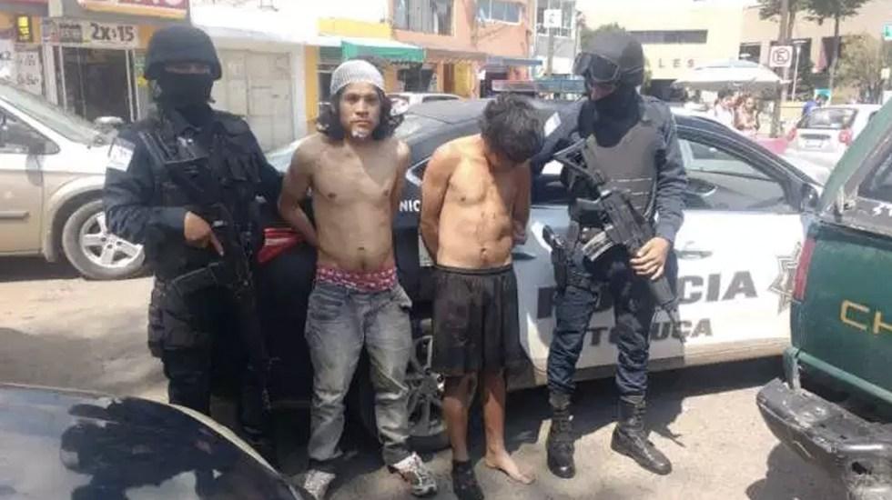 Intentan linchar a dos jóvenes acusados de robo en Toluca - Foto de Reporteros en Movimiento