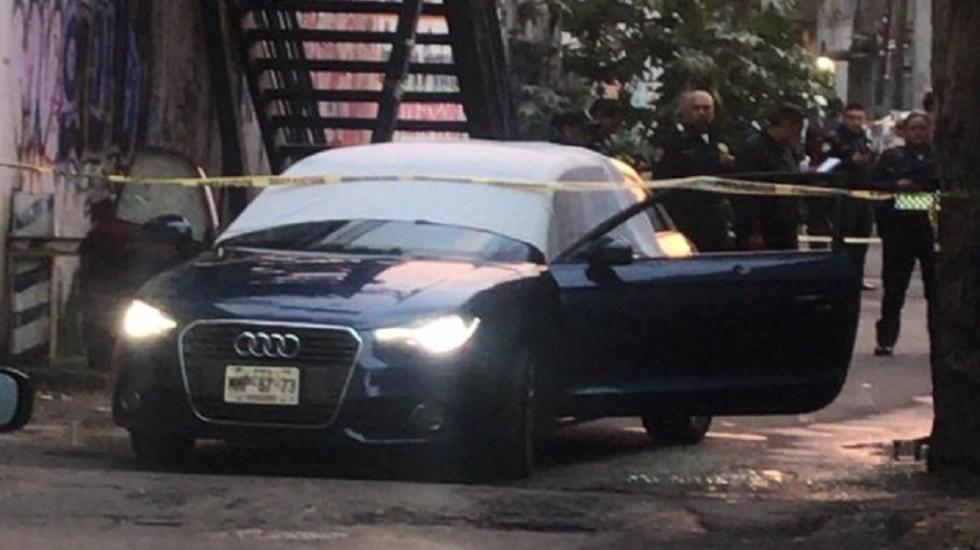 Matan a hombre e hija dentro de Audi en Xochimilco - Foto de @alertasurbanas