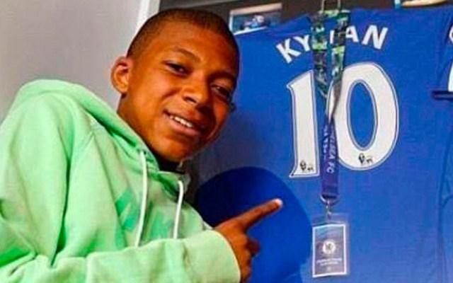 Chelsea descartó a Mbappé en 2012