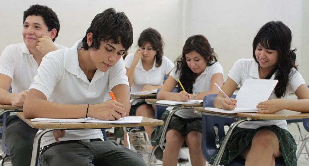 México ocupa último lugar en bachillerato pese a incremento de graduados - Foto de Internet