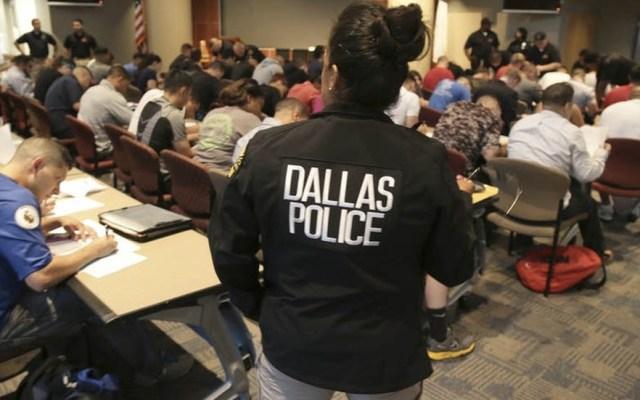 Mujer policía se confunde de apartamento y mata a un hombre en Dallas - Foto de Reuters