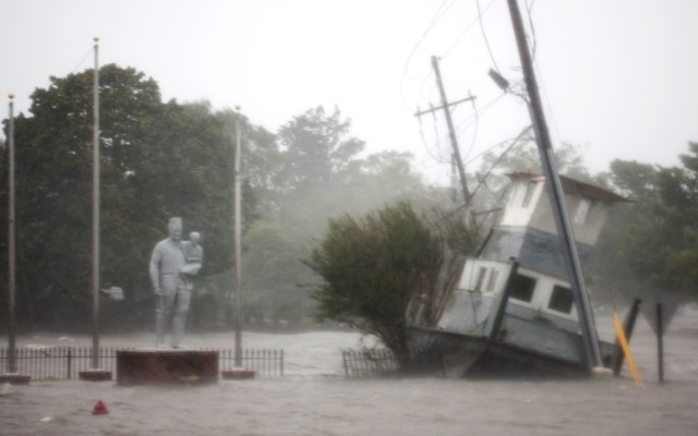Suman cinco las víctimas mortales del huracán Florence - Foto de AFP / Logan Cyrus