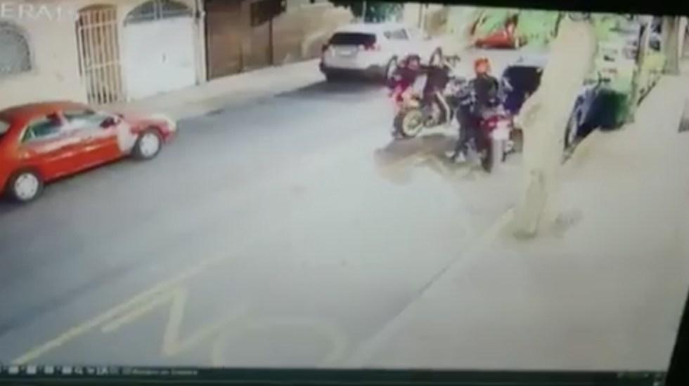 #Video Así asaltaron a un motociclista en la Miguel Hidalgo - Foto de El Big Data