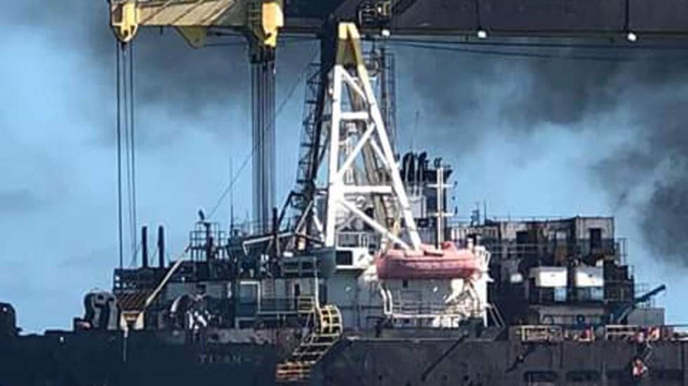 Se incendia barco de Oceanografía en Campeche - Foto de Internet