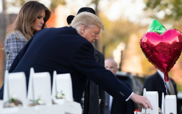 Trump visita la sinagoga de Pittsburgh tras ataque antisemita - donald trump visita sinagoga de pittsburgh