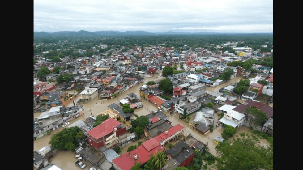 #Video Intensas lluvias provocan inundaciones en Álamo, Veracruz - Foto de @1ndr2sglvn