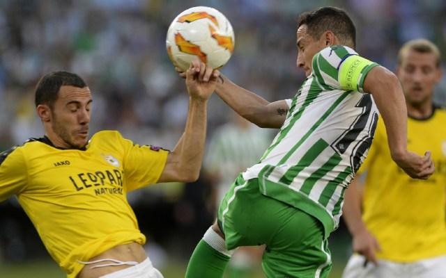 Guardado y Betis logran su primera victoria en la Europa League - Foto de AFP