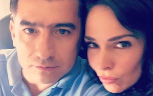 Asesinan al esposo de la actriz Sharis Cid en San Miguel de Allende - Isaías Gómez y Sharis Cid. Foto de @shariscid