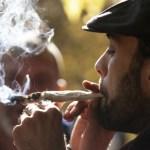 Agotan mariguana en Canadá el día de su legalización - Foto de AFP