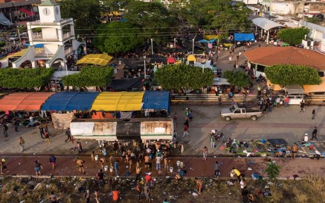 Caravana de migrantes viaja a la capital para pedir permiso migratorio - Guillermo Arias/AFP
