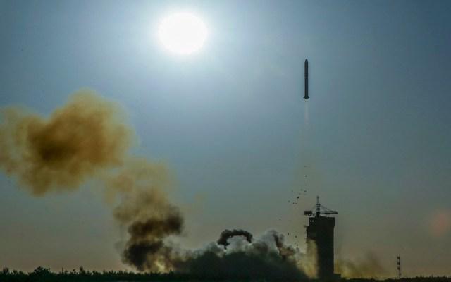 China y Francia lanzan satélite para estudiar el clima - China y Francia lanzaron un satélite para estudiar las olas y los vientos. Foto de AFP / STR