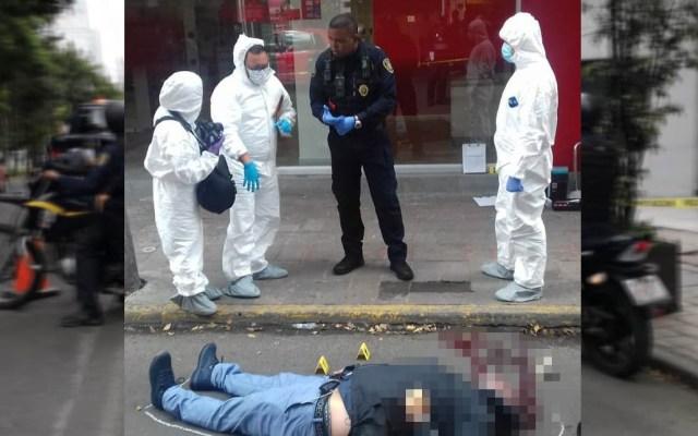 Declara escolta que mató a ladrón en Polanco - Cadáver de ladrón asesinado por escolta en Polanco. Foto de Twitter