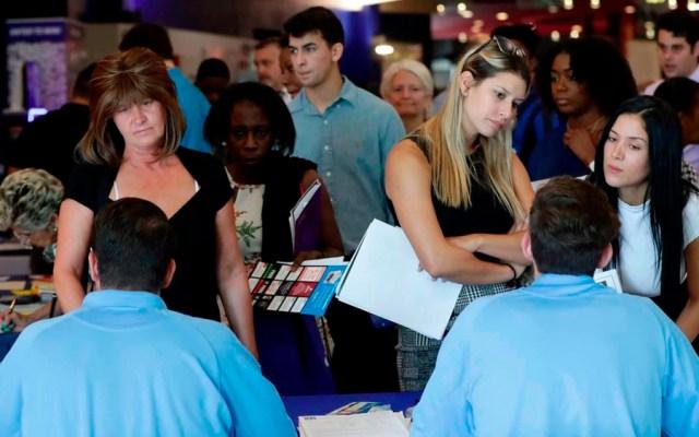Desempleo en EE.UU. cae a su nivel más bajo en casi 50 años - Foto de AP