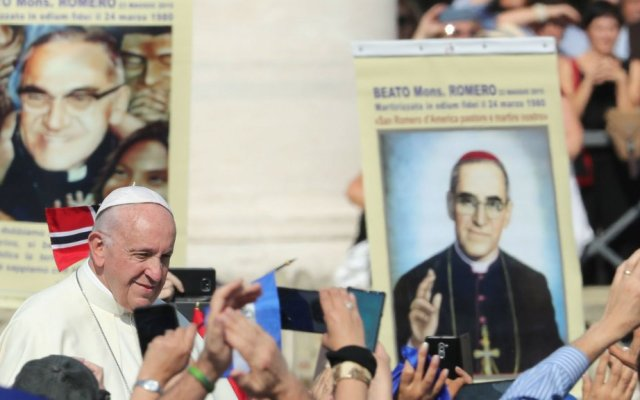 El papa canoniza al arzobispo salvadoreño Óscar Romero - El papa francisco canoniza a oscar romero
