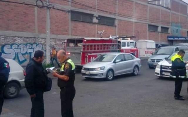 Explosión en fábrica de Naucalpan deja tres heridos - Foto de Excélsior