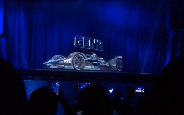 #Video Presentan con hologramas quinta temporada de la Fórmula E - Foto de @autologiaonline