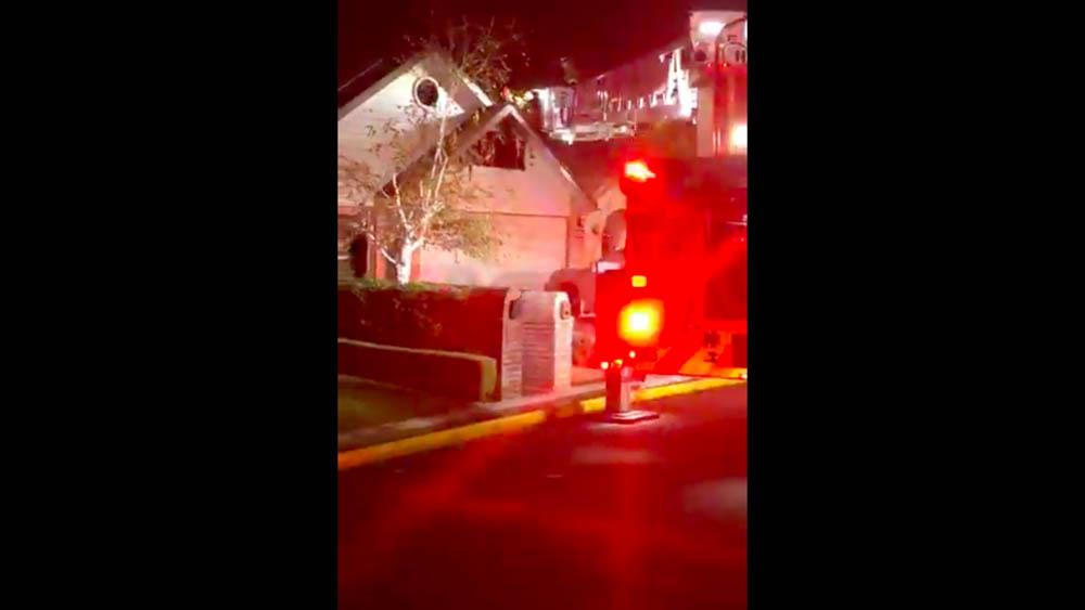 Hombre incendia su casa tratando de quemar arañas con soplete - Captura de pantalla