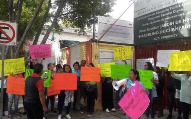 Hay cuatro involucrados en caso de abuso sexual en kínder de GAM - Riña entre padres de familia y granaderos en la GAM