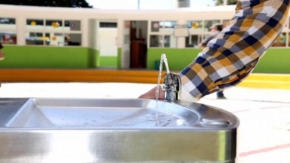 ¿Cuánta agua necesita y cuánta gasta sin darse cuenta? - Escuelas de 12 municipios del Edomex suspenderán clases por corte de agua. Foto de Edomex Informa
