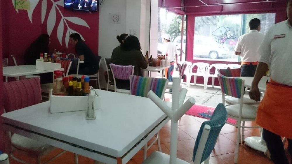 Interior del restaurante Mi gusto es, en la colonia Narvarte. Foto de Lalo Hermosilla Hanus
