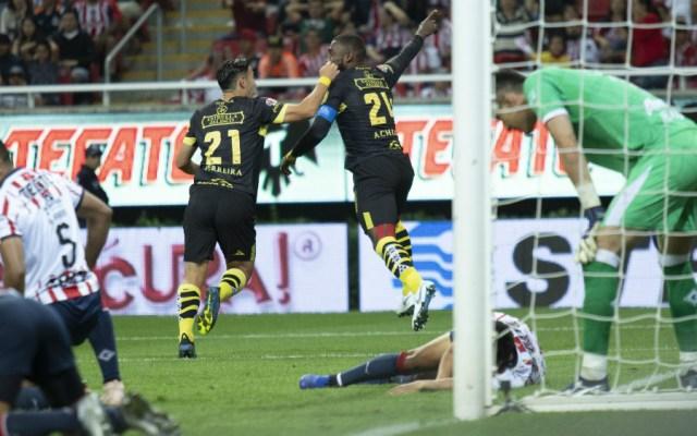 Chivas pierde ante Monarcas y complica pase a la liguilla - Foto de Mexsport