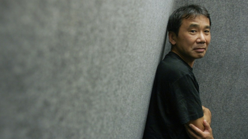 Hay que atravesar la oscuridad para llegar a la luz: Haruki Murakami - Foto de South China Morning Post