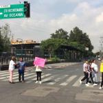 'Hasta las últimas consecuencias', casos del kínder Marcelino de Champagnat: SEP - Padres de familia del Kínder Marcelino Champagnat protestaron este martes en la Ciudad de México. Foto de Noticieros Televisa.