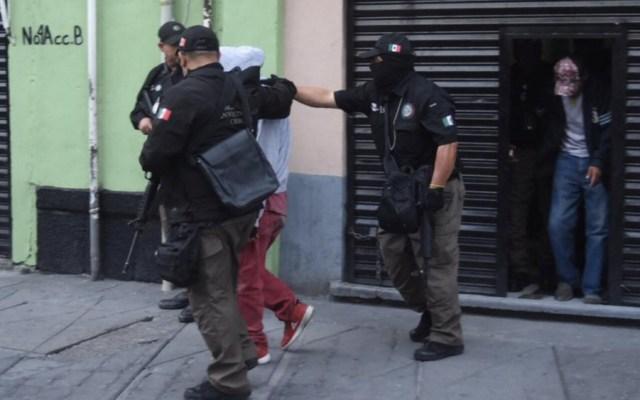Operativo de PGR en Plaza Garibaldi deja dos detenidos - Foto de @QuadratinMexico