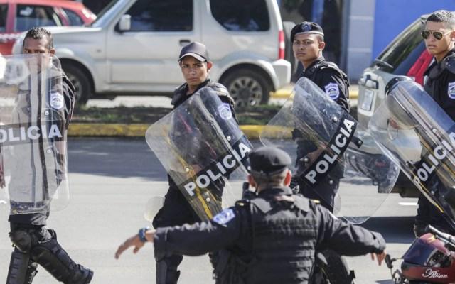 Nicaragua anuncia incremento en número de policías - Policía antimotines desplegada en protesta contra Daniel Ortega. Foto de AFP / Inti Ocon