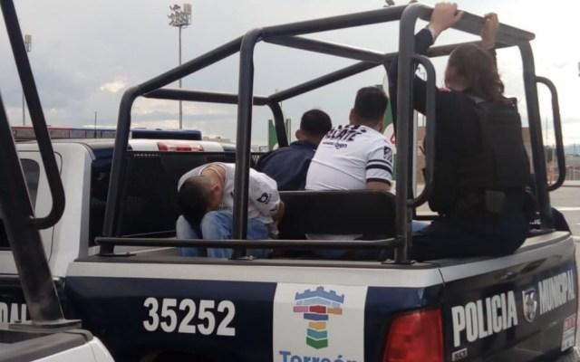 Tres detenidos tras bronca previo al duelo entre Santos y Rayados - Foto de @luisgdigital