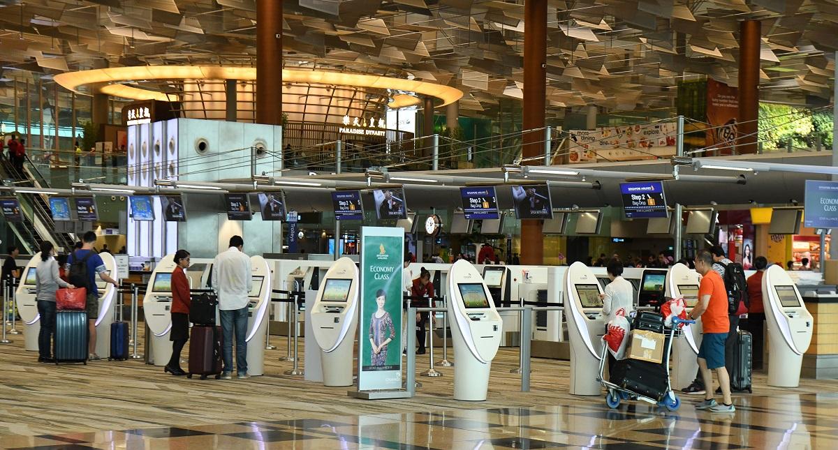 Taquillas de Singapore Airlines en el Aeropuerto Internacional de Changi. Foto de AFP / Roslan Rahman