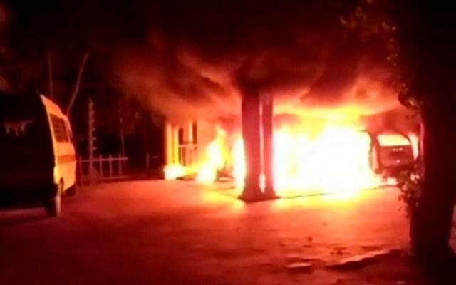Incendian templo hindú tras permitir entrada a mujeres - Foto de Hindustan Times