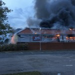 Niega McDonald's bebidas a bomberos que luchaban contra un incendio - Foto de @SierraZero8