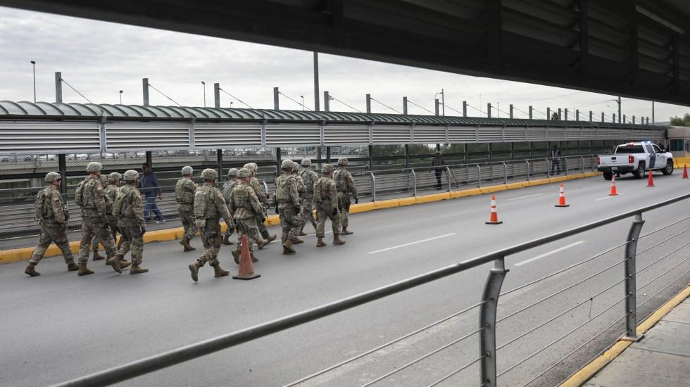 Militares llegan a frontera entre México y Estados Unidos - Foto de AFP