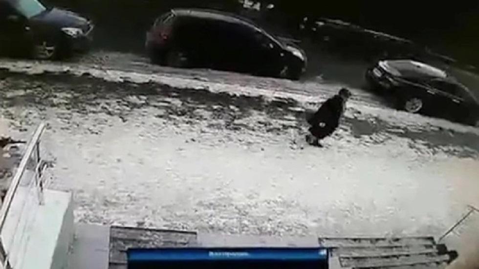 #Video Bloque de hielo mata a mujer en Kazajistán