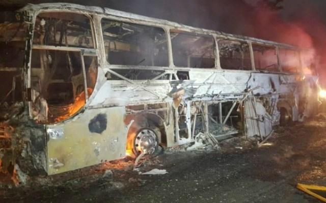 Se incendia autobús en Veracruz donde viajaban 45 alumnos de la UNAM - UNAM