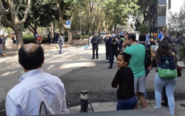 Líder del sindicato de bomberos recibe tres disparos en la Condesa - Foto de @Ultimo_Minuto_