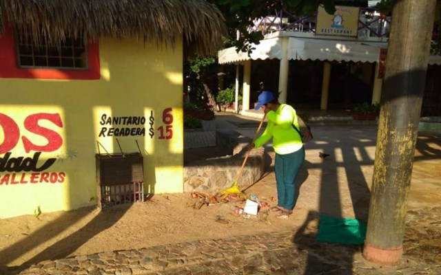 Tras puente recolectan más de 110 toneladas de basura en playas de Acapulco - Foto de Promotora y Administradora de Playas de Acapulco