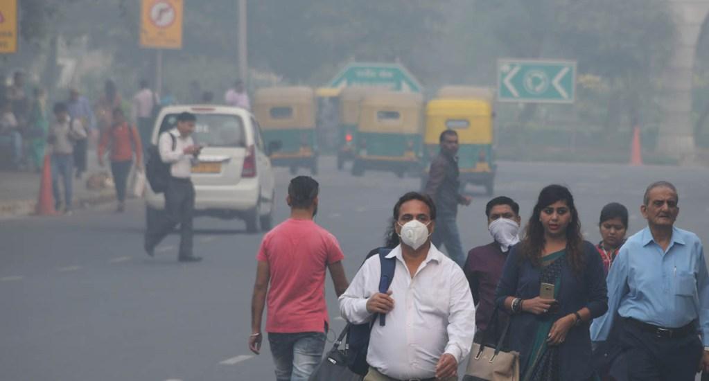 """Nueva Delhi vive """"apocalipsis"""" de contaminación - La calidad de aire en Nueva Delhi alcanzó niveles críticos de contaminación. Foto de AFP / Dominique Faget"""