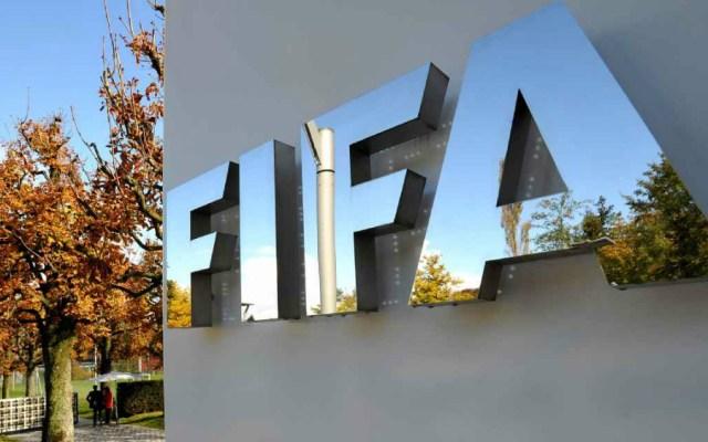 FIFA presenta demandas contra Blatter y Platini - fifa contrataciones mercado de invierno