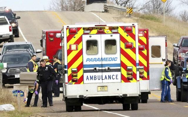 Mueren tres niñas y una mujer tras ser arrolladas por un auto en EE.UU. - Foto de AP