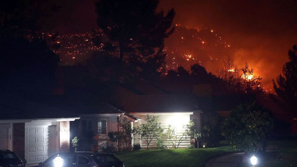 Suman al menos nueve muertos por incendios en California - Foto de The Desert Sun