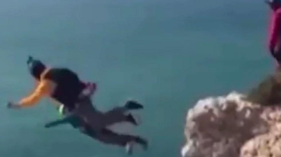 #Video Paracaidista muere durante salto de 100 metros - Captura de Pantalla