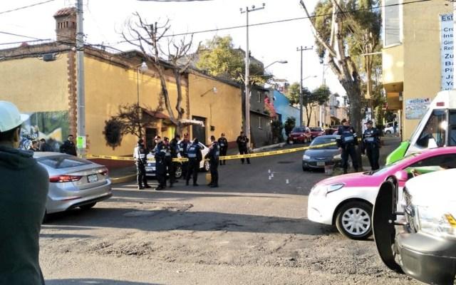 Policía herido al evitar robo en Álvaro Obregón - Foto de @SoyObregonense_