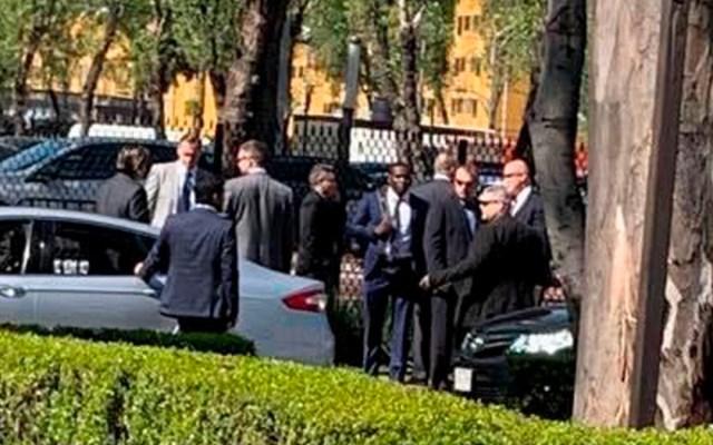 Agentes del Servicio Secreto ya se encuentran en San Lázaro y sí están armados - Agentes del Servicio Secreto en las inmediaciones de San Lázaro.