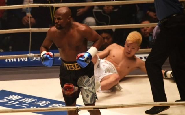 Mayweather noquea al campeón de kickboxing de Japón - Mayweather noquea al campeón de kickboxing en japon