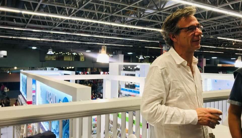 'Ahora me rindo y eso es todo' de Álvaro Enrigue en la FIL