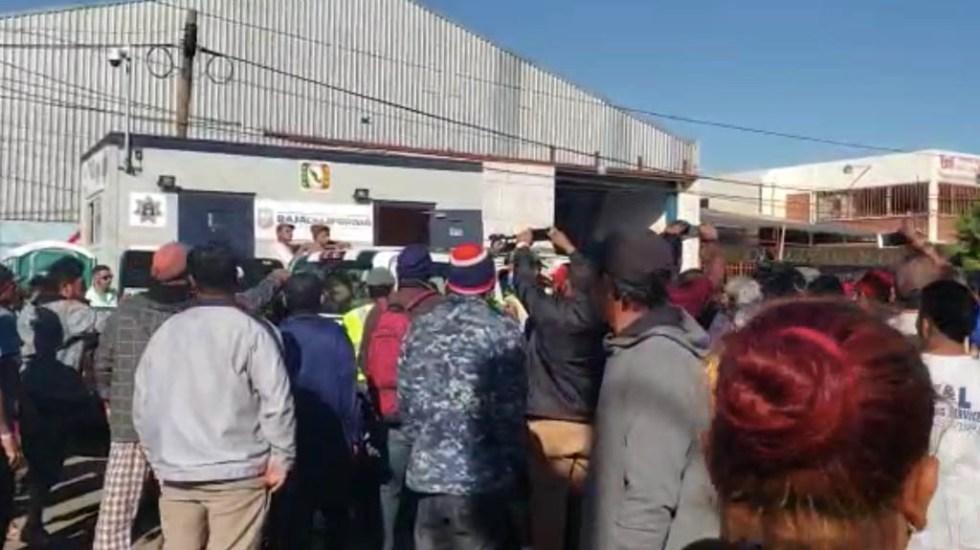 Tensión en albergue de migrantes en Tijuana por detención de mujer - migrantes