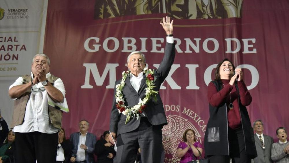 López Obrador fue invitado a entregar trofeo de campeón en la Liga MX - López Obrador